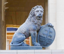Lion at the Menin Gate. Present at the time of the war, before the gate was built.